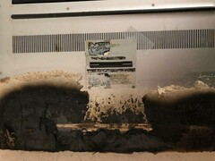 The charred remains of an XPS 15 9560. (Image source: Reddit)