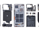 The Xiaomi Mi 11 Ultra has a multi-stage cooling system and a huge primary camera. (Image source: XYZone)