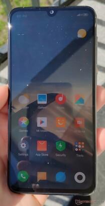 Xiaomi Mi 9 SE Smartphone Review - NotebookCheck net Reviews