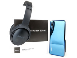 Huawei is including a pair of Bose QuietComfort 35 II headphones for those that pre-order the P20 Pro.