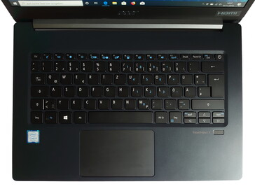 A look at the keyboard on the TravelMate X514