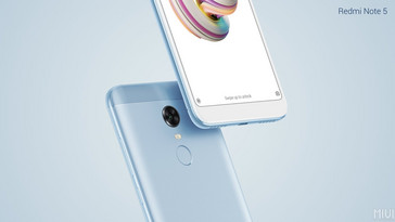 Xiaomi Redmi Note 5 in blue