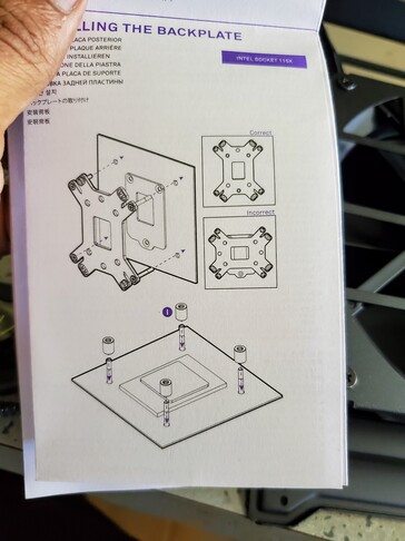NZXT's instructions are clear an easy to follow. (Image: Notebookcheck)