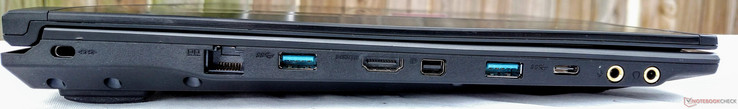 Left: Kensington lock, LAN, USB 3.0, HDMI 1.4, min DisplayPort 1.2, USB 3.0, USB 3.1 (Gen 1) Type-C, Mic in, HiFi audio out