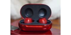 The Galaxy Buds+ also come in Aura Red. (Source: Instagram)