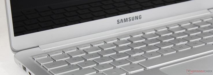 After walking away impressed by the unsung 15.0-inch Notebook 9 NP900X5N, we wanted to check out the smaller 13.3-inch NP900X3N variant to see how the ...