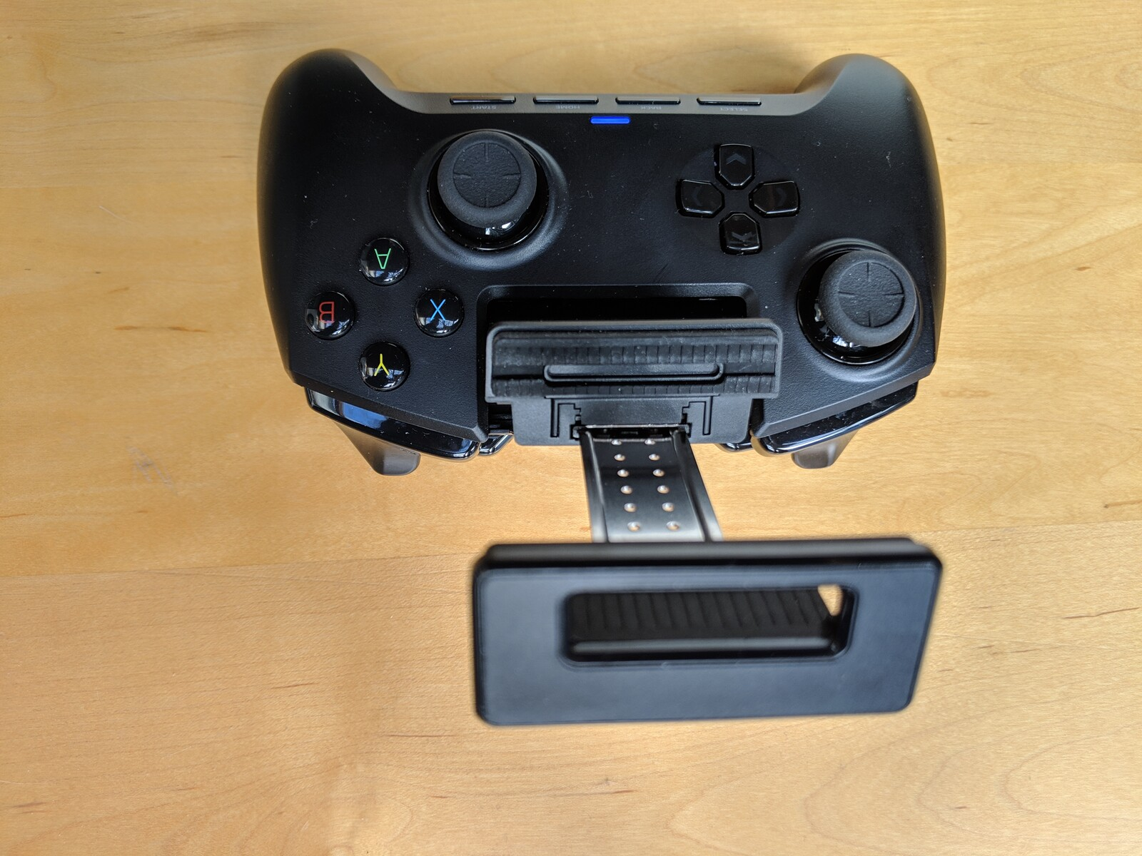 Razer Raiju Mobile Controller Review - NotebookCheck net Reviews