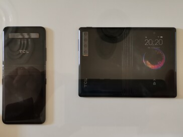 Some more snaps of the TCL foldable prototypes. (Source: TCL)