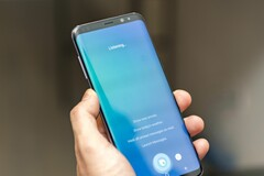 The Bixby button can now be remapped on older Samsung Galaxy flagships as well. (Source: CNET)