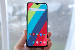 The OnePlus 6T. (Source: CNET)