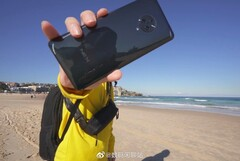 Is this the Vivo Nex 3 at the beach? Maybe. (Source: IndiaShopps)