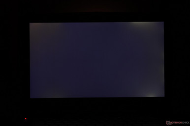 Moderate backlight bleeding around top and bottom edges