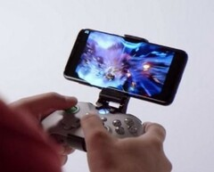 Project xCloud allows users to hook mobile devices to Bluetooth controllers, but Microsoft is also offering custom touch-based control support. (Source: Gamepur)