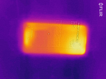 Thermal imaging of the front of the Huawei Y6 2018 under load