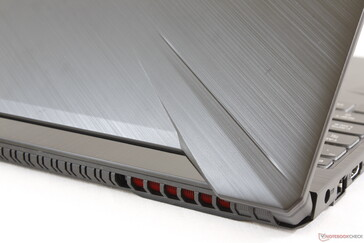 Textured brushed aluminum-like surfaces add flavor to an otherwise plain plastic chassis