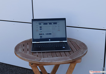 Using the HP ProBook x360 440 G1 in the shade