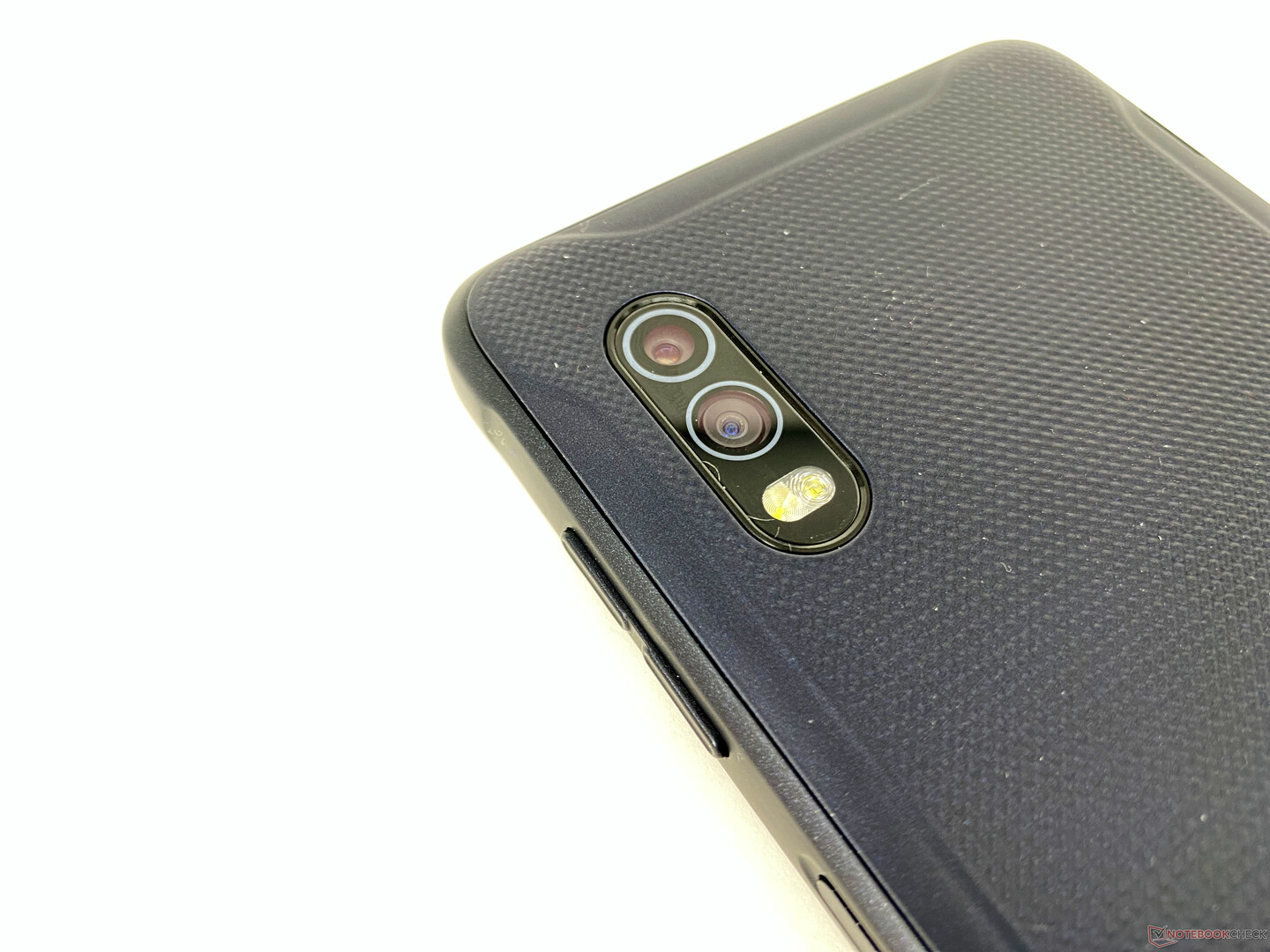 Samsung Galaxy XCover Pro Smartphone Review - Outdoor phone with user-replaceable battery ...