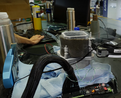 The liquid nitrogen setup is necessary to keep the CPU at -185 degrees Centigrade in order to reach the highest stable clocks possible. (Source: der8auer@youtube)