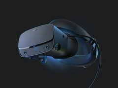 The new Oculus Rift S is an iterative improvement over the original. (Source: Oculus)