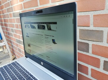 Looking at the HP ProBook 455R G6 side-on