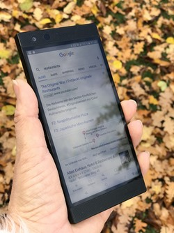 Razer Phone 2 Smartphone Review - NotebookCheck net Reviews