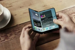 Samsung already introduced foldable screen tech that has four phases: curved, bent, foldable and rollable. (Source: ET News)