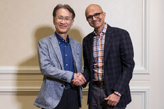 Kenichiro Yoshida and and Satya Nadella, the CEOs of Sony and Microsoft respectively. (Source: Microsoft)