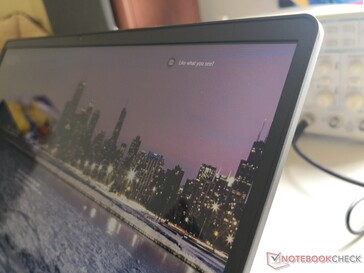Unlike most other Ultrabooks, the LG uses no Gorilla Glass in order to keep weight down. Thus, the lid is not very rigid
