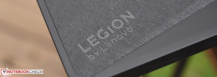 Lenovo Legion Y920-17IKB (i7-7820HK, GTX 1070) Laptop Review