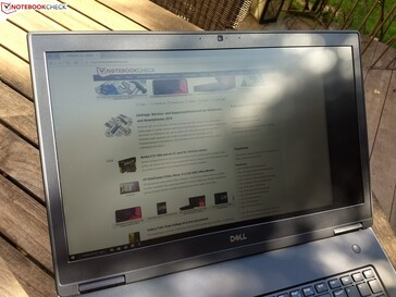 Using the Dell Precision 7730 outside in the shade