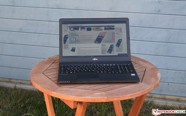 The Fujitsu LifeBook A557 in the shade ...