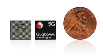 Qualcomm Snapdragon 765 5G vs. 1-Cent-Coin. (Source: Qualcomm)