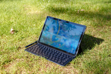 Using the Galaxy Tab S4 outdoors