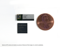 The Qualcomm QTM052 mmWave antenna module with the Snapdragon X50 modem. (Source: Qualcomm)
