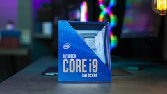 The Core i9-10900K pushes itself hard in order to be competitive against the Ryzen 9 3900X in the Corona Render Test. (Image Source:  HD Tecnologia)