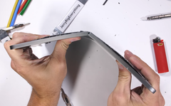The Apple iPad Pro's structural integrity is less than ideal. (Source: JerryRigEverything on YouTube)