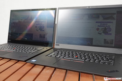 ThinkPad X1 Extreme 4K (left) vs. FHD (right) in the sun