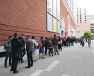 OnePlus has done it — there are now lines of customers waiting to buy the OnePlus 6 (Source: Own)