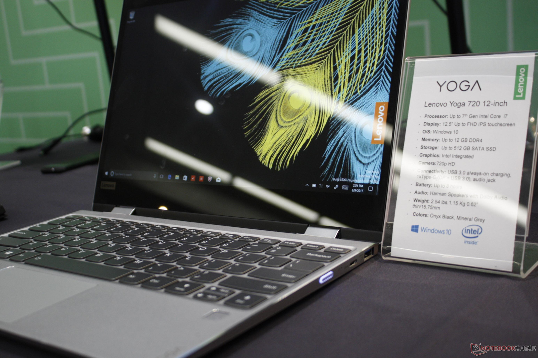Lenovo's Yoga 720 is a mild update to a mild convertible