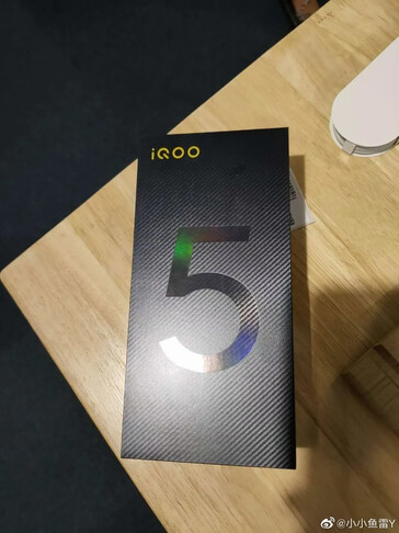 "The alleged iQOO 5's ""hands-on images"". (Source: Weibo via MySmartPrice)"