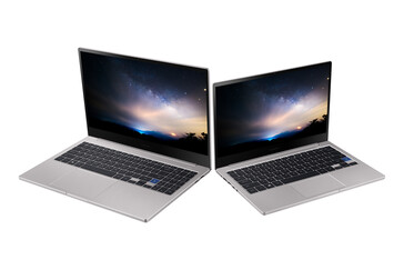 The 15-inch and 13-inch Notebook 7 variants (Source: Samsung)