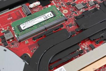 Hanya satu slot ekspansi SODIMM dibandingkan dengan dua pada kebanyakan laptop gaming lainnya
