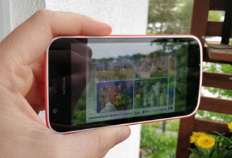Using the Nokia 1 outdoors