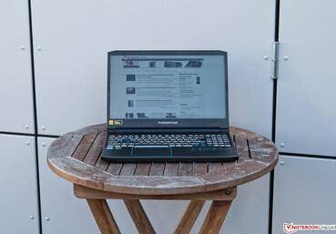 Using the Acer Predator Helios 300 PH315 outdoors in the shade