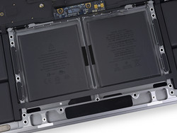 The MacBook Pro 15 features a 76 Wh battery. (Source: iFixit)
