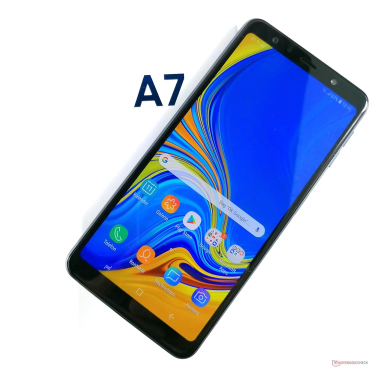 be4a9aff6 Samsung Galaxy A7 (2018) Smartphone Review - NotebookCheck.net Reviews