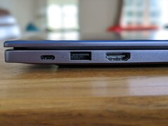 Left-hand side: USB 2.0 Type-C port, USB 3.0 Type-A, HDMI