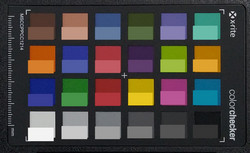 ColorChecker: The reference color is displayed in the lower half of each area of color