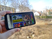 Using the Moto G7 Play outdoors