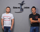 Vincenzo and Giacomo Barbato with their 'Steve Jobs' brand. (Source: Business Insider Italia)